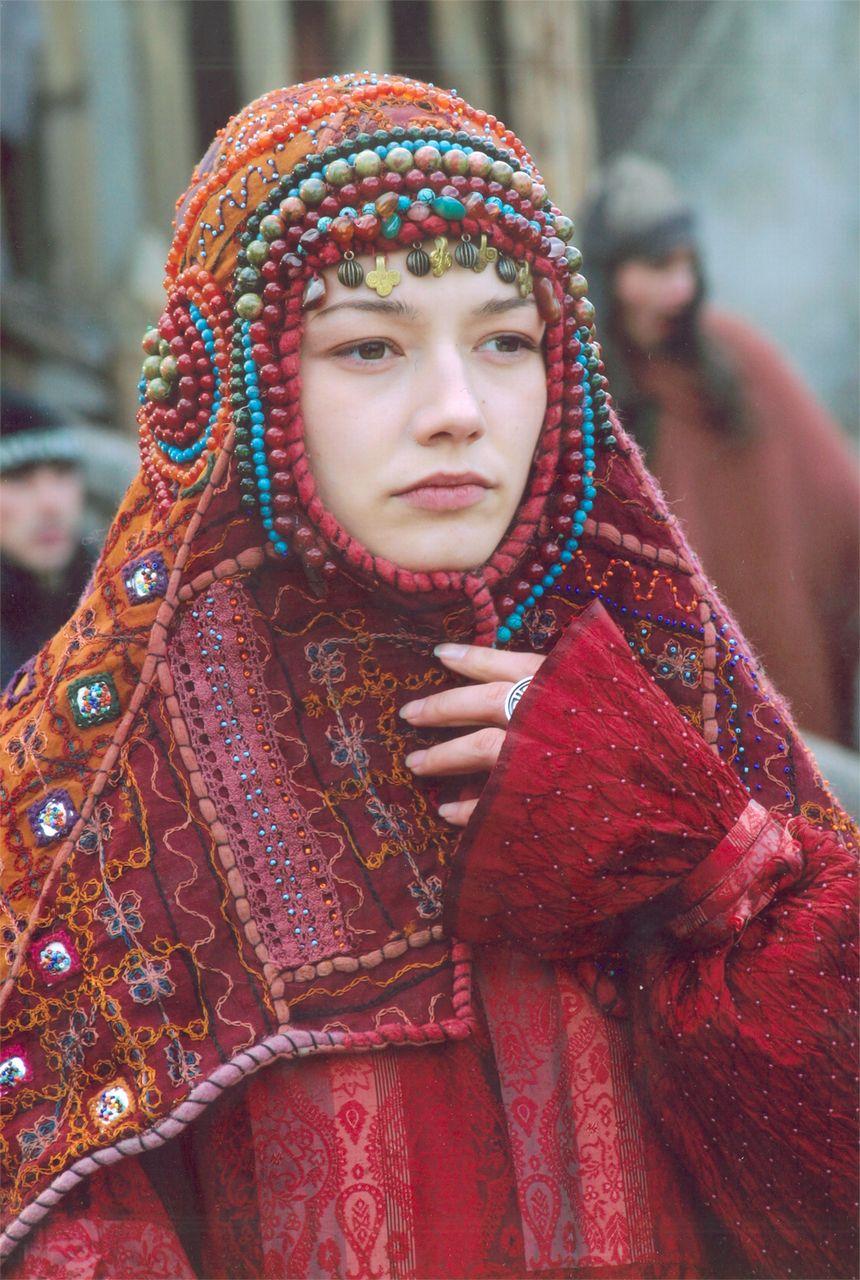 Фильм «Волкодав из рода Серых Псов» (2006): Оксана Акиньшина 860x1280