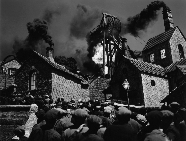 Фильм «Как зелена была моя долина» (1941): 1500x1136