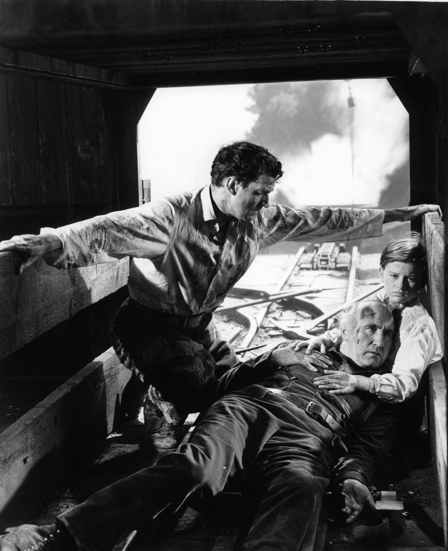 Фильм «Как зелена была моя долина» (1941): Уолтер Пиджон, Дональд Крисп, Родди МакДауэлл 1500x1847