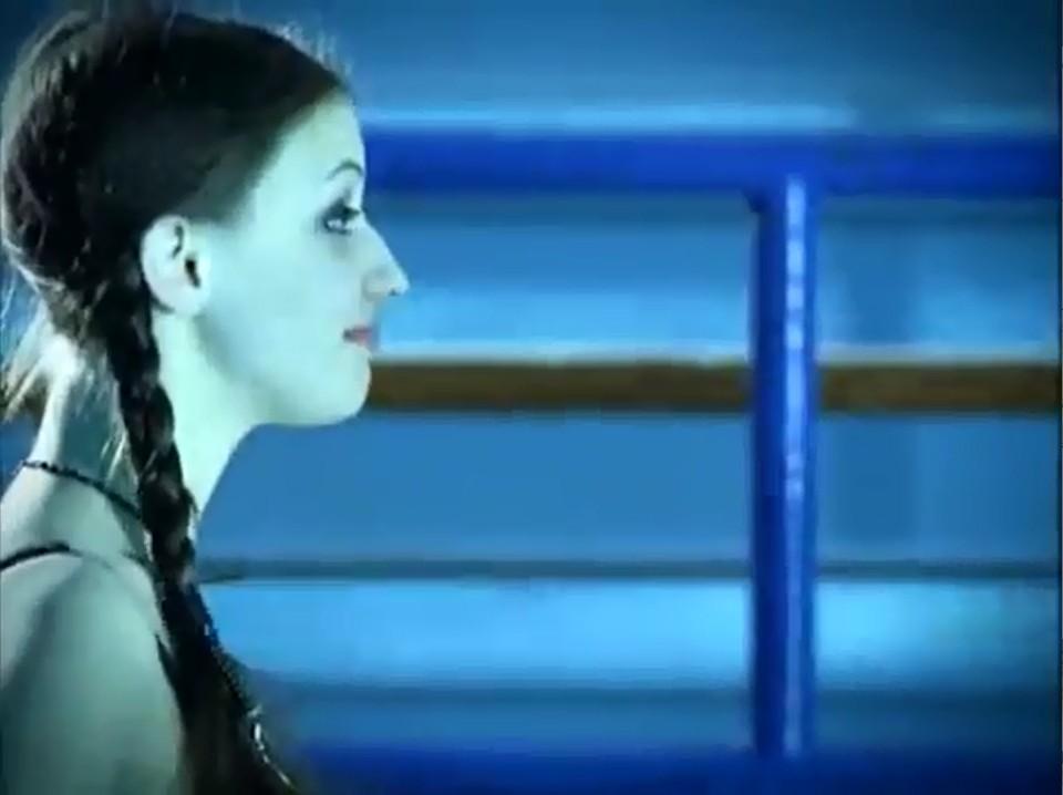 Серіал «Темний оракул» (2004 – 2006): Сара Ґейдон 1 сезон, 7 епізод — «Crushed» 960x718
