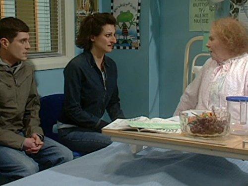 Серіал «Шоу Кэтрин Тейт» (2004 – 2009): 2 сезон, 4 епізод — «Wedding Banquet» 500x375