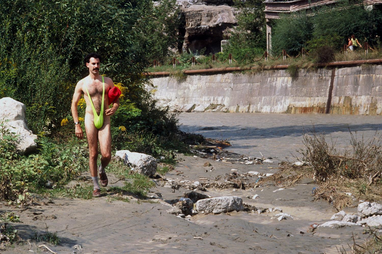 Фільм «Борат: культурні дослідження Америки на користь славної держави Казахстан» (2006): Саша Барон Коен 1500x999