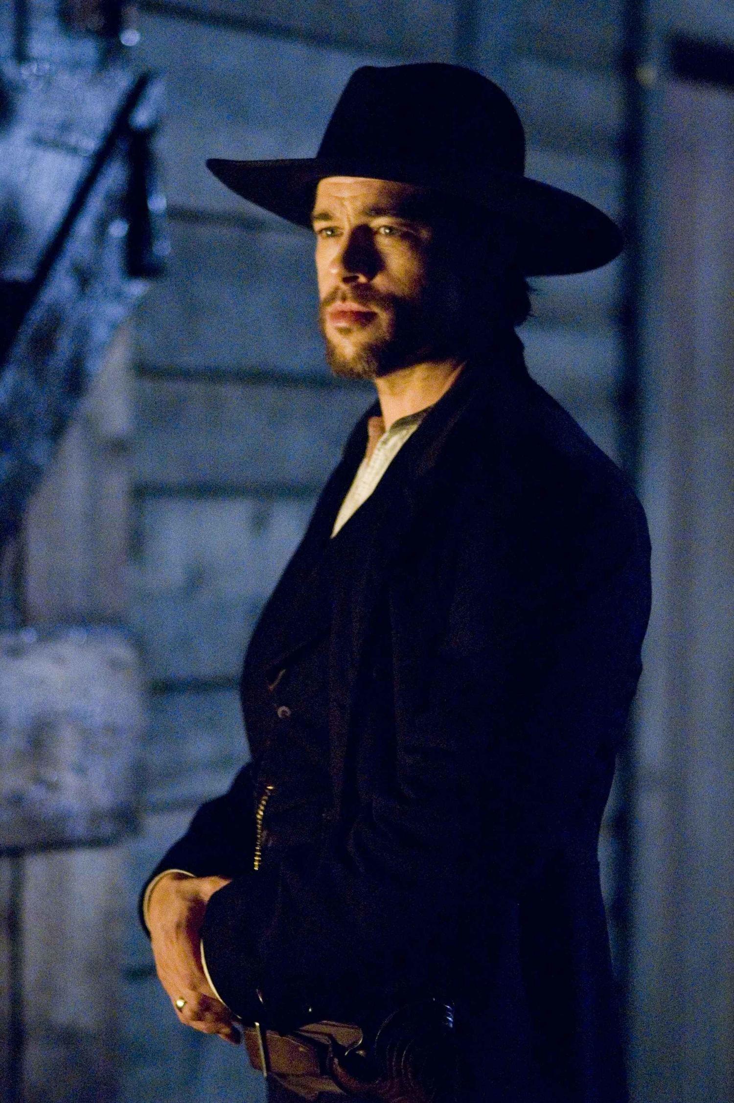 Фильм «Как трусливый Роберт Форд убил Джесси Джеймса» (2007): Брэд Питт 1500x2255