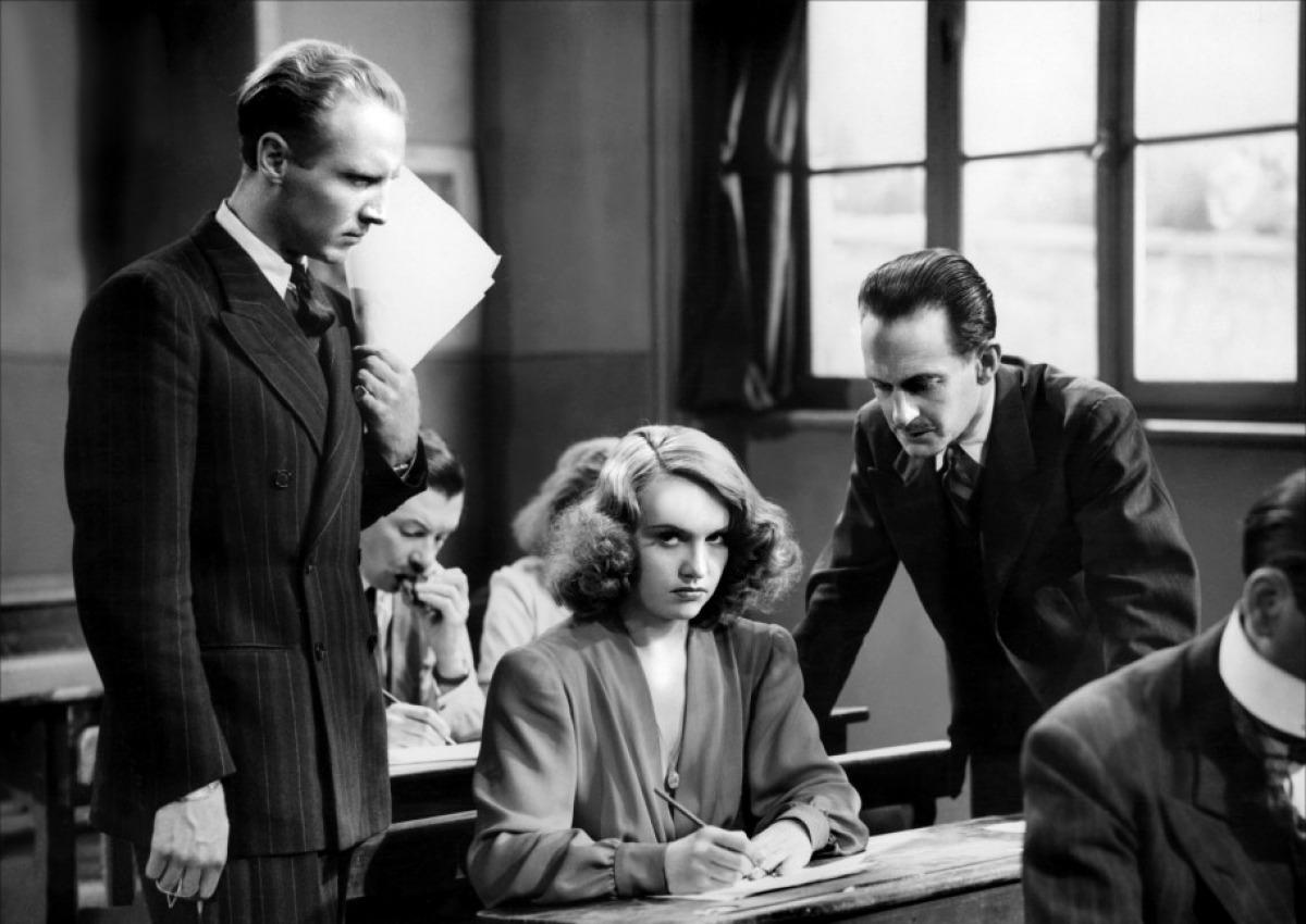 Фільм «Ворон» (1943): 1200x850