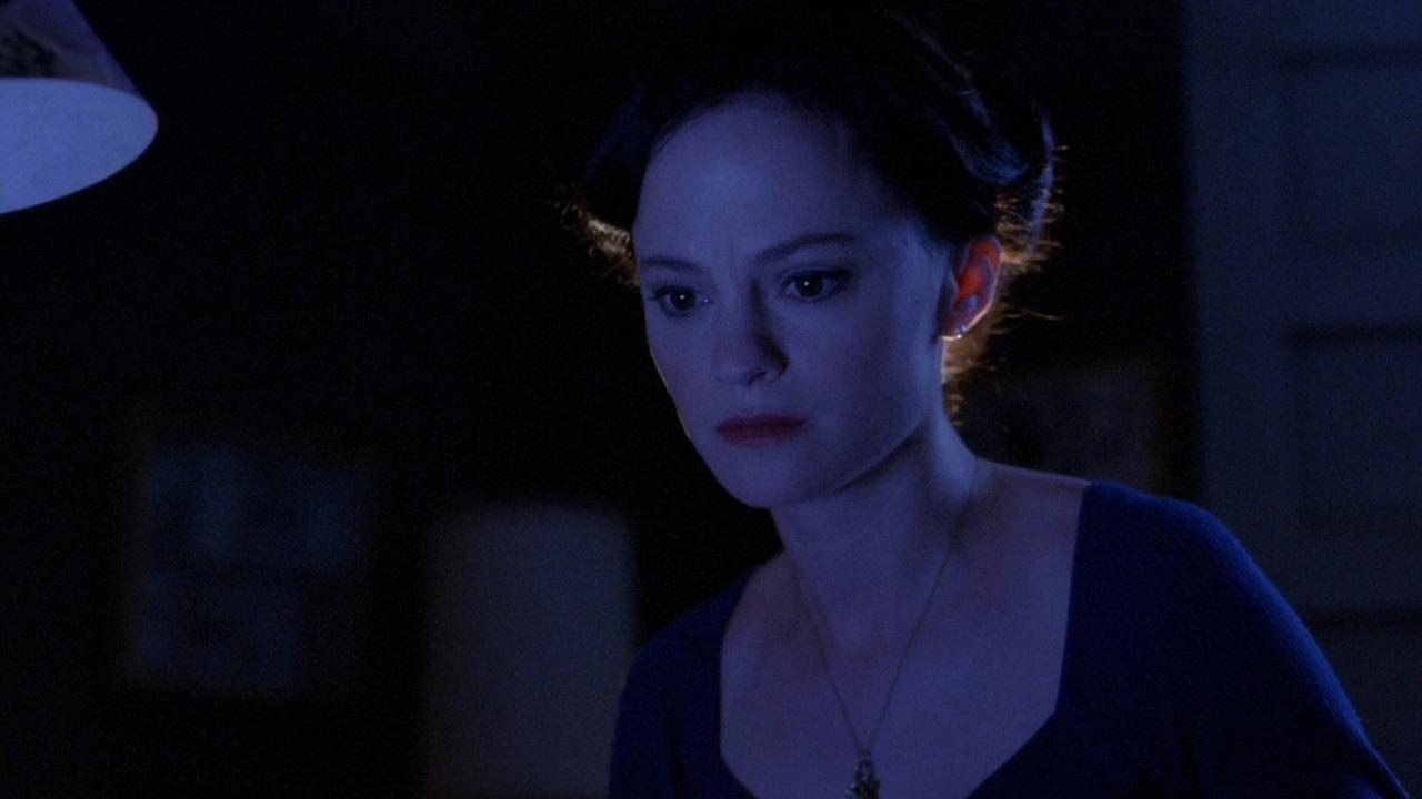 Серіал «Майстри жахів» (2005 – 2007): Анджела Беттіс 1 сезон, 10 епізод — «Странная девушка» (Sick Girl) 1280x720