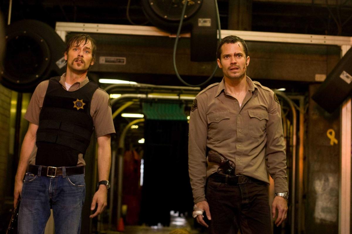 Фільм «Шалені» (2010): Джо Андерсон, Тімоті Оліфант 1200x800