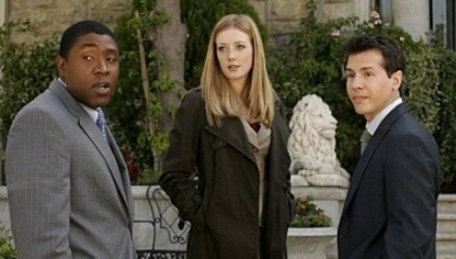 Серіал «Рядом с домом» (2005 – 2007): Дженніфер Фінніган, Джон Седа, Кресс Вільямс 642x365