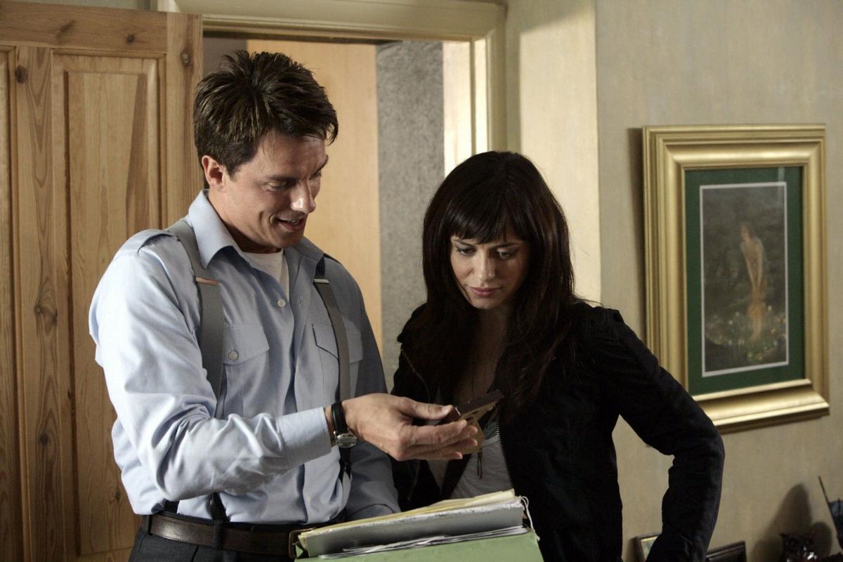 Серіал «Мисливці за чужими» (2006 – 2011): Джон Барроумен, Ів Майлс 1 сезон, 5 епізод — «Маленькие миры» (Small Worlds) 1200x800