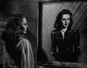 «Две миссис Кэрролл» — кадры