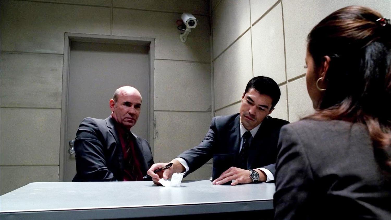 Серіал «Новий день» (2006 – 2007): Мітч Піледжі, Йен Ентоні Дейл 1 сезон, 9 епізод — «Что если они связаны» (What If They're Connected) 1500x844