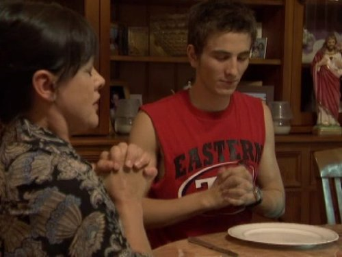 Серіал «Кримінальна Австралія» (2008 – 2013): Райан Кор 3 сезон, 12 епізод — «The Good Lieutenant» 500x375