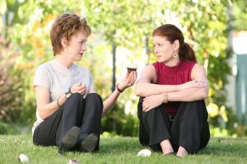 Сериал «Развод по-голливудски» (2008): Джуди Дэвис, Дебра Мессинг 360x240
