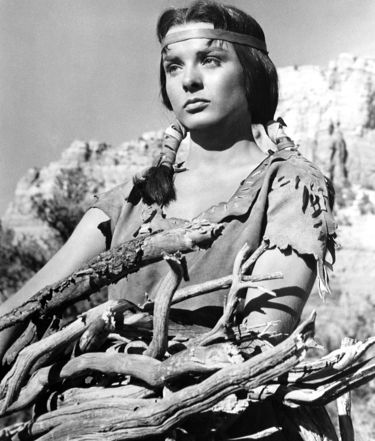 Фильм «Апач» (1954): Джин Питерс 1500x1764
