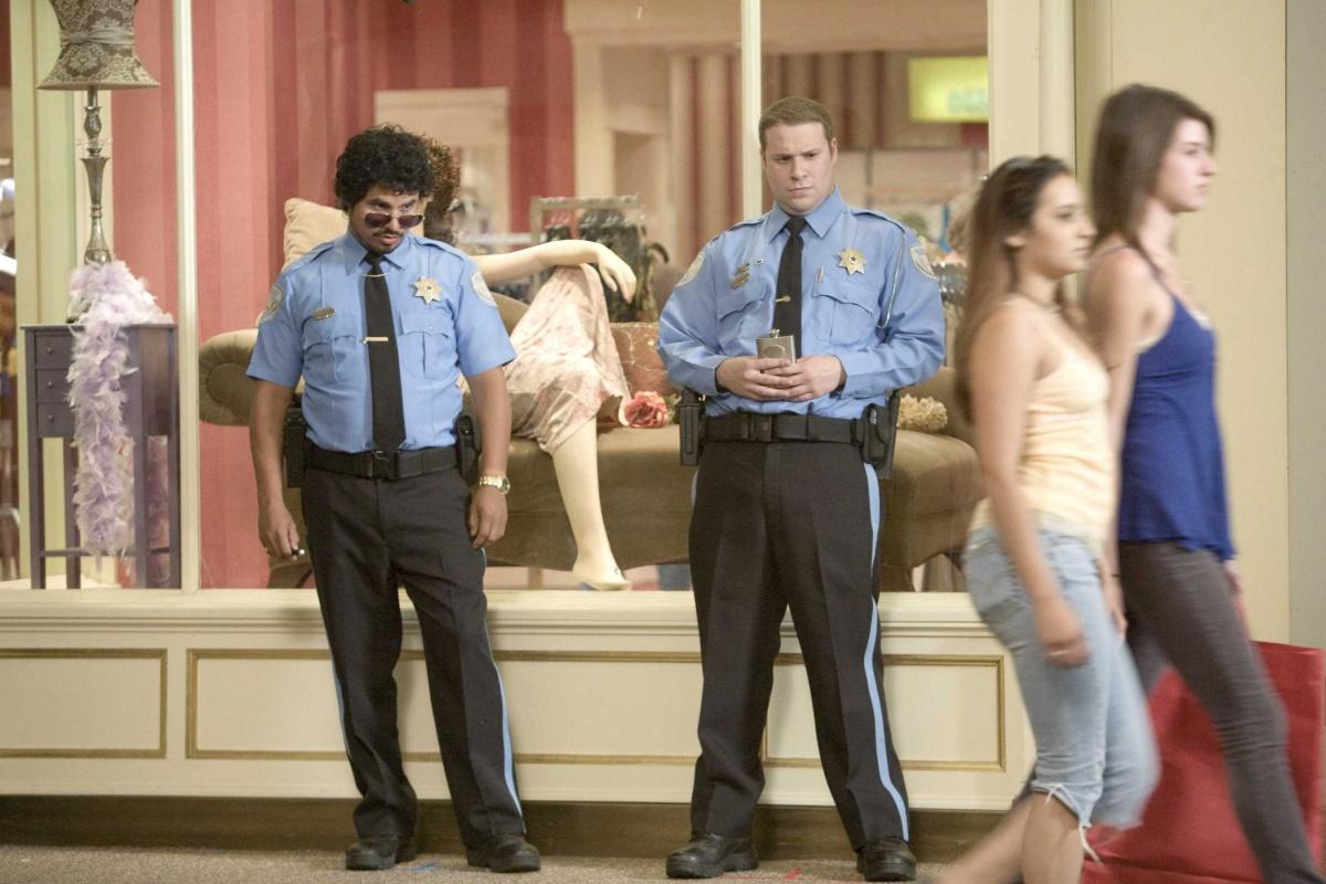 Фільм «Типу крутий охоронець» (2009): Майкл Пенья, Сет Роґен 1200x800