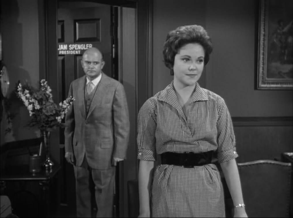Серіал «Альфред Гічкок представляє» (1955 – 1962): Боб Суїні, Жаклин Холт 5 сезон, 36 епізод — «Letter of Credit» 1016x756