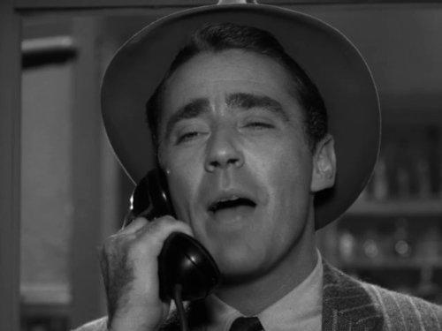 Серіал «Альфред Гічкок представляє» (1955 – 1962): Пітер Лоуфорд 1 сезон, 9 епізод — «Рискованная ставка» (The Long Shot) 500x375