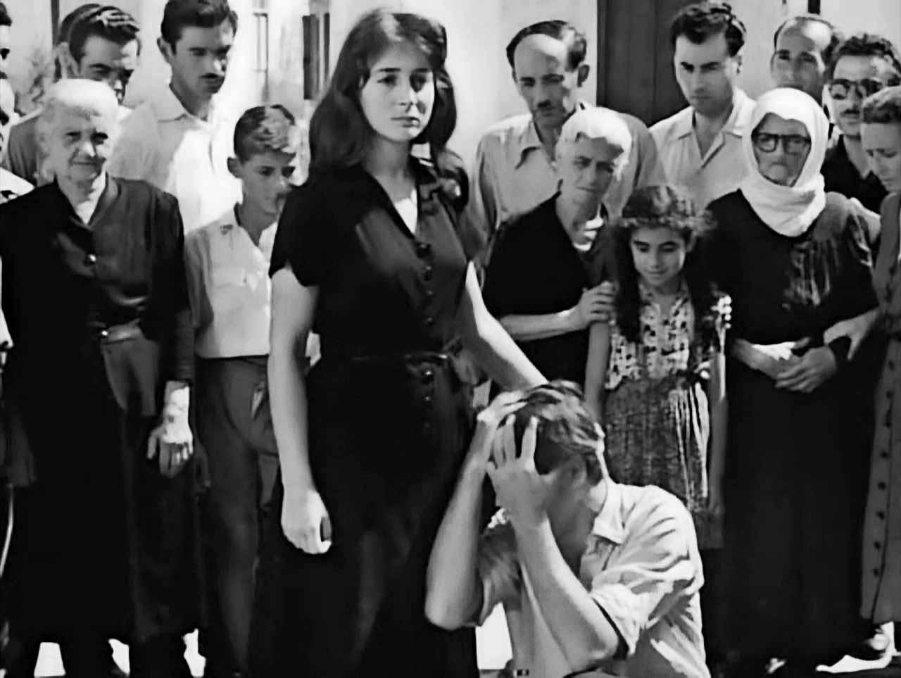 Фільм «Девушка в чёрном» (1956): Еллі Ламбети, Анестіс Влахос 1280x963
