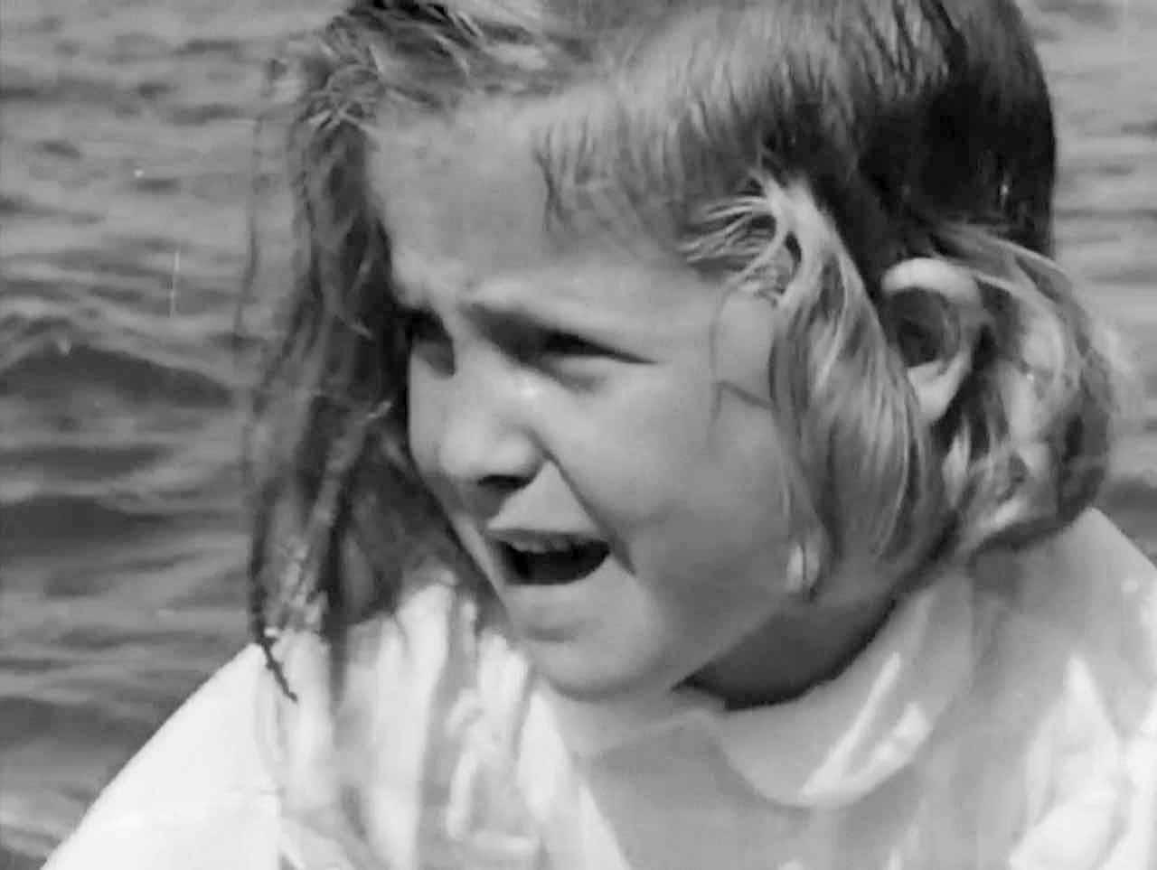 Фільм «Девушка в чёрном» (1956): 1280x963