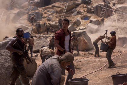 «Розкрадачка гробниць: Лара Крофт» — кадри