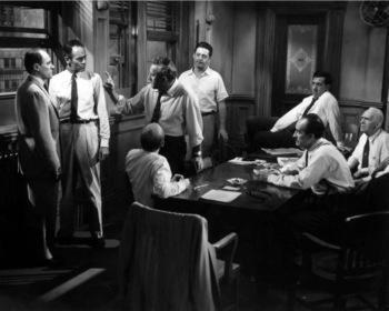 «12 разгневанных мужчин» — кадры