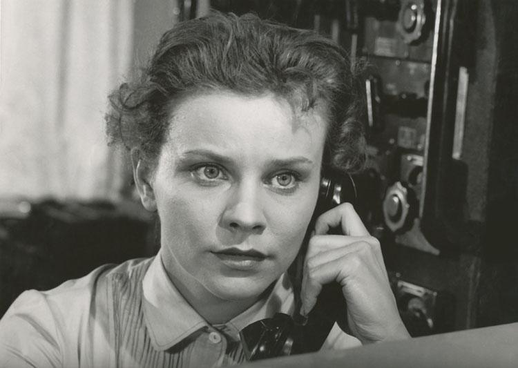 Фільм «Затонувшие корабли» (1956): 750x533
