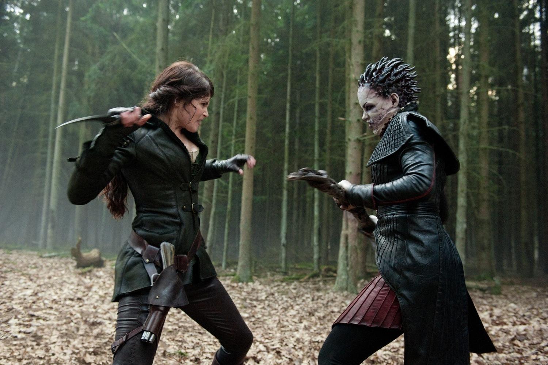 Фильм «Охотники на ведьм» (2012): Джемма Артертон, Ингрид Больсё Бердаль 1500x998