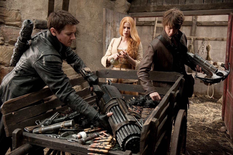 Фильм «Охотники на ведьм» (2012): Джереми Реннер, Пихла Виитала, Томас Манн 1500x998