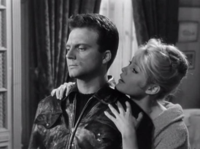Фільм «У разі нещастя» (1958): Франко Интерленьи, Бріжіт Бардо 689x516
