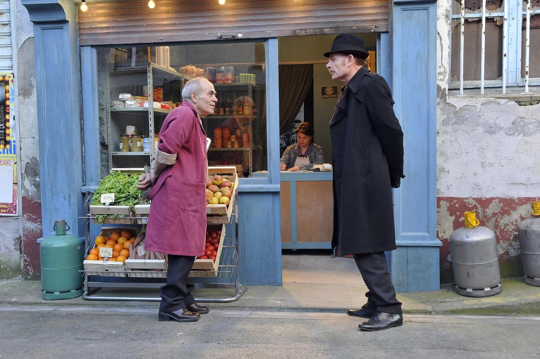 Фильм «Гавр» (2011): Франсуа Монни, Жан-Пьер Дарруссен 1500x996