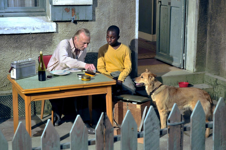 Фильм «Гавр» (2011): Андре Вильм, Блондин Мигель 1500x996