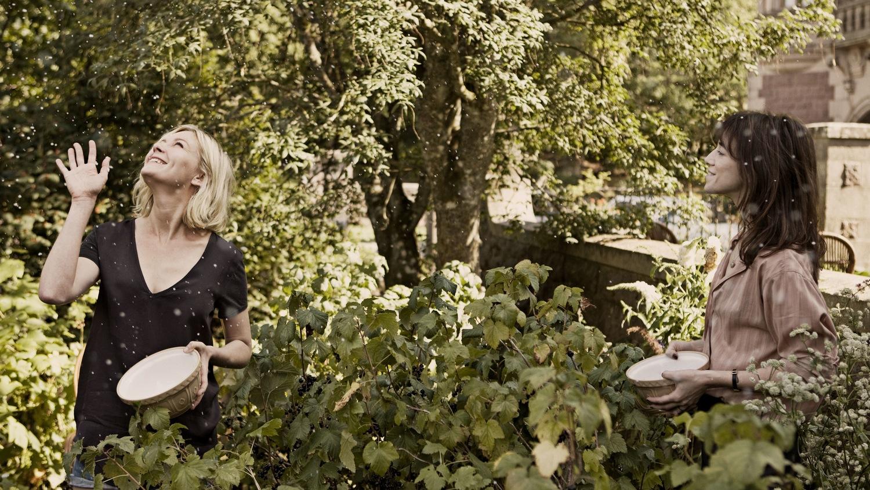 Фільм «Меланхолія» (2011): Кірстен Данст, Шарлотта Ґенсбур 1500x844