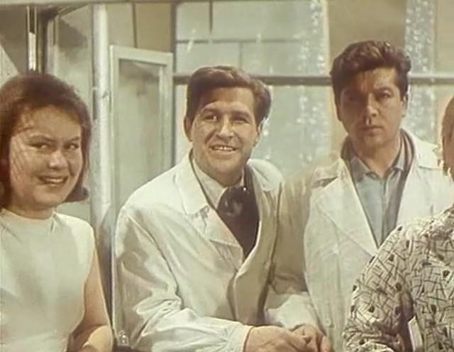 Фильм «Семь нянек» (1962): Наталья Батырева, Алексей Бахарь 640x496