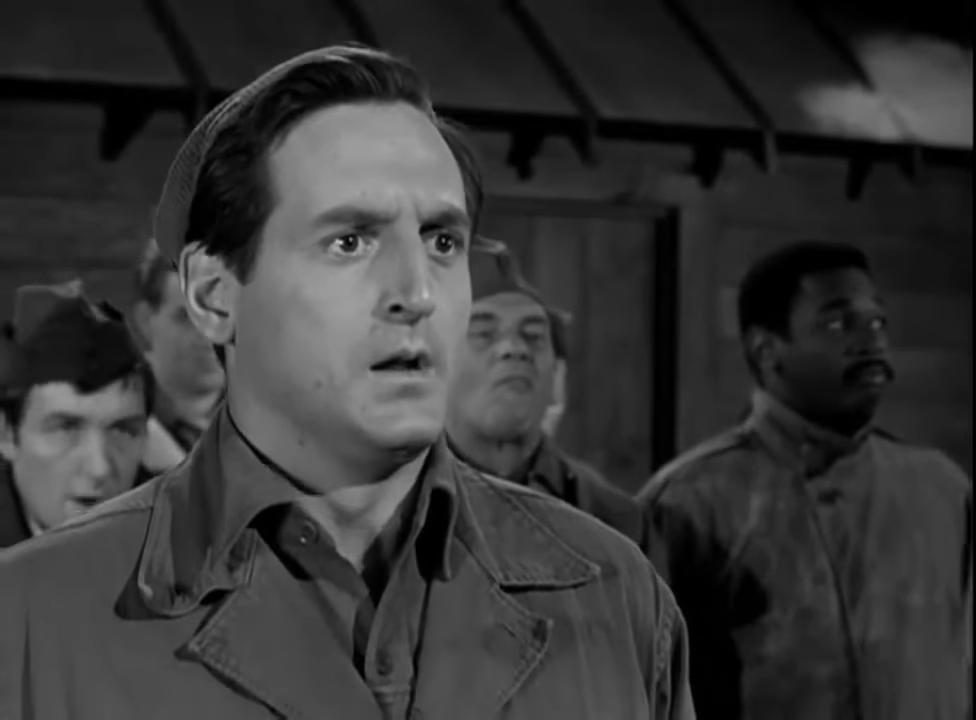 Серіал «Герої Гоґана» (1965 – 1971): Річард Доусон, Іван Діксон, Ноам Питлик 1 сезон, 1 епізод — «The Informer» 976x720