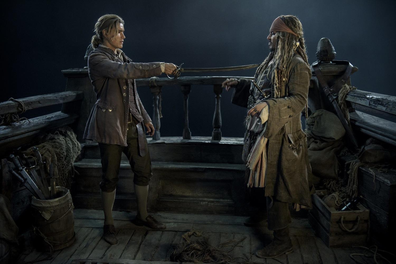 Фільм «Пірати Карибського моря: Помста Салазара» (2017): Джонні Депп, Брентон Твайтс 1500x1001