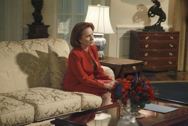 Серіал «Скандал» (2012 – 2018): Кейт Бертон 1 сезон, 7 епізод — «Грант: для людей» (Grant: For the People) 640x427