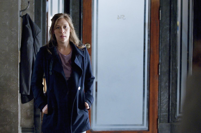 Серіал «Скандал» (2012 – 2018): Ліза Вейл 1 сезон, 2 епізод — «Грязные маленькие тайны» (Dirty Little Secrets) 1500x996