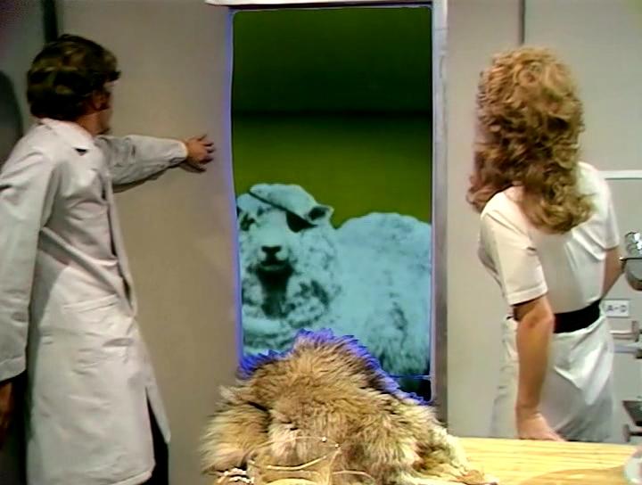 Серіал «Монті Пайтон: Літаючий цирк» (1969 – 1974): Ерік Айдл, Керол Клівленд 2 сезон, 7 епізод — «The Attila the Hun Show» 720x544