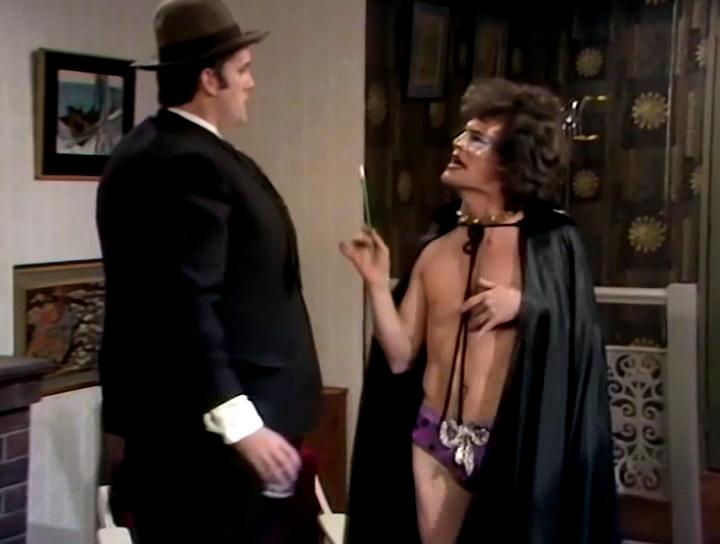Серіал «Монті Пайтон: Літаючий цирк» (1969 – 1974): Террі Ґілліам, Джон Кліз 1 сезон, 9 епізод — «Муравей. Введение» (The Ant, an Introduction) 720x544