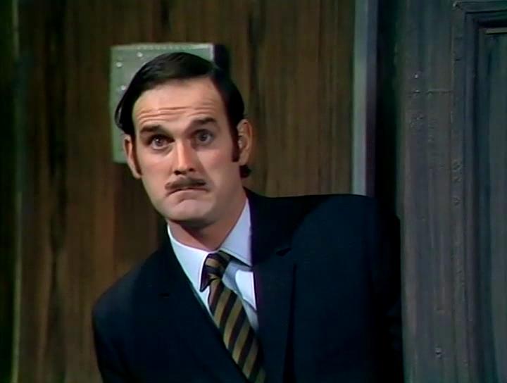 Серіал «Монті Пайтон: Літаючий цирк» (1969 – 1974): Джон Кліз 2 сезон, 4 епізод — «The Buzz Aldrin Show» 720x544