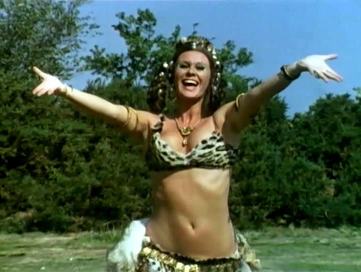 Серіал «Монті Пайтон: Літаючий цирк» (1969 – 1974): Керол Клівленд 2 сезон, 7 епізод — «The Attila the Hun Show» 720x544