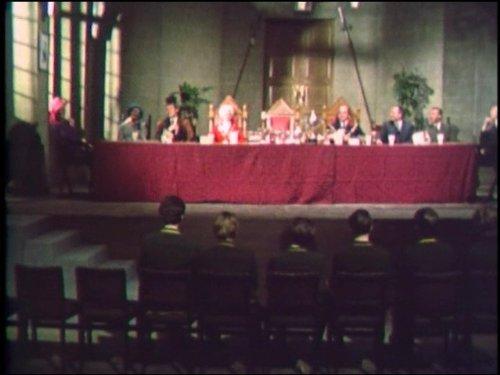 Серіал «Монті Пайтон: Літаючий цирк» (1969 – 1974): 2 сезон, 6 епізод — «It's a Living» 500x375