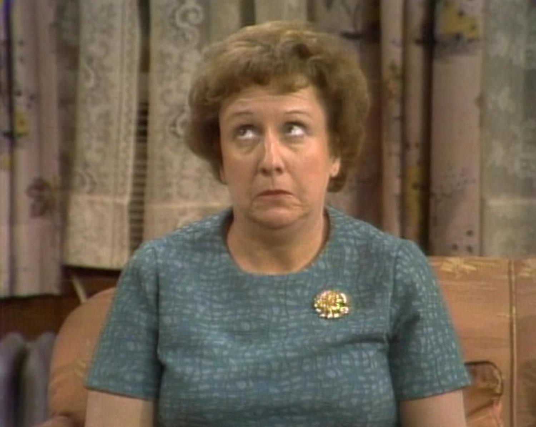 Серіал «Справи сімейні» (1971 – 1979): Джин Степлтон 1 сезон, 13 епізод — «The First and Last Supper» 1500x1195