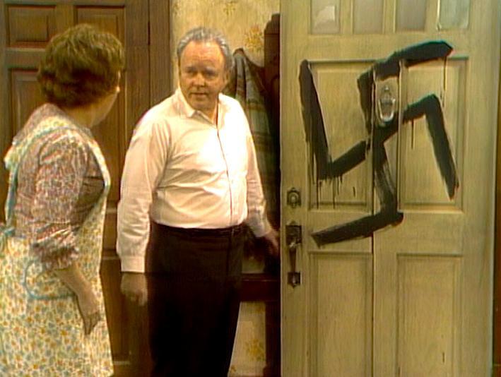 Серіал «Справи сімейні» (1971 – 1979): 3 сезон, 20 епізод — «Archie is Branded» 709x534