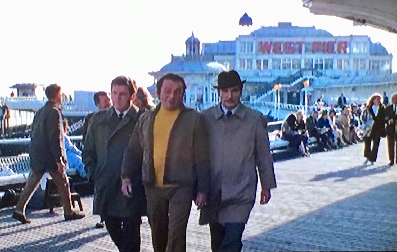 Фільм «Злодей» (1971): Колін Велланд, Річард Бартон, Найджел Девенпорт 1500x953