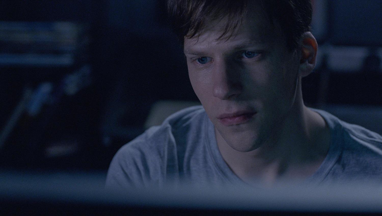 Фильм «Громче, чем бомбы» (2015): Джесси Айзенберг 1500x848
