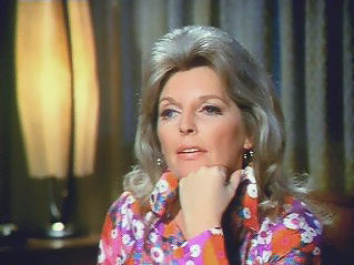 Серіал «Критическое положение!» (1972 – 1979): Джулі Лондон 1 сезон, 5 епізод — «Brushfire» 319x239