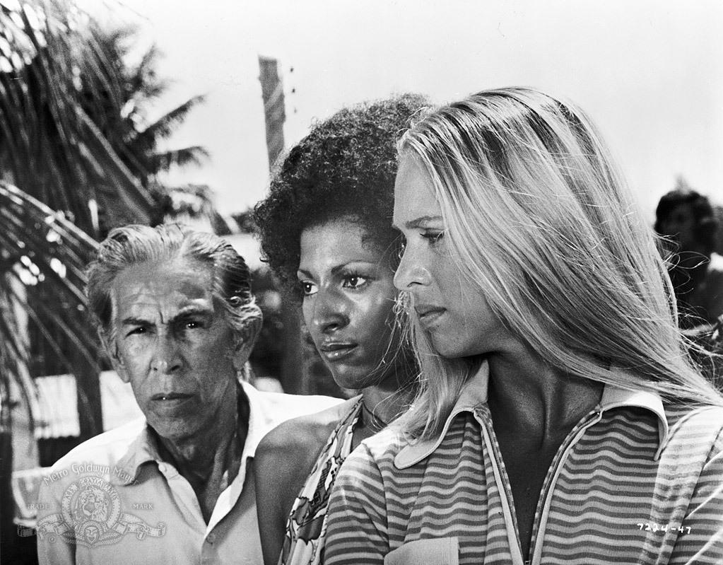 Фильм «Черная мама, белая мама» (1973): Andres Centenera, Маргарет Марков, Пэм Гриер 1023x799