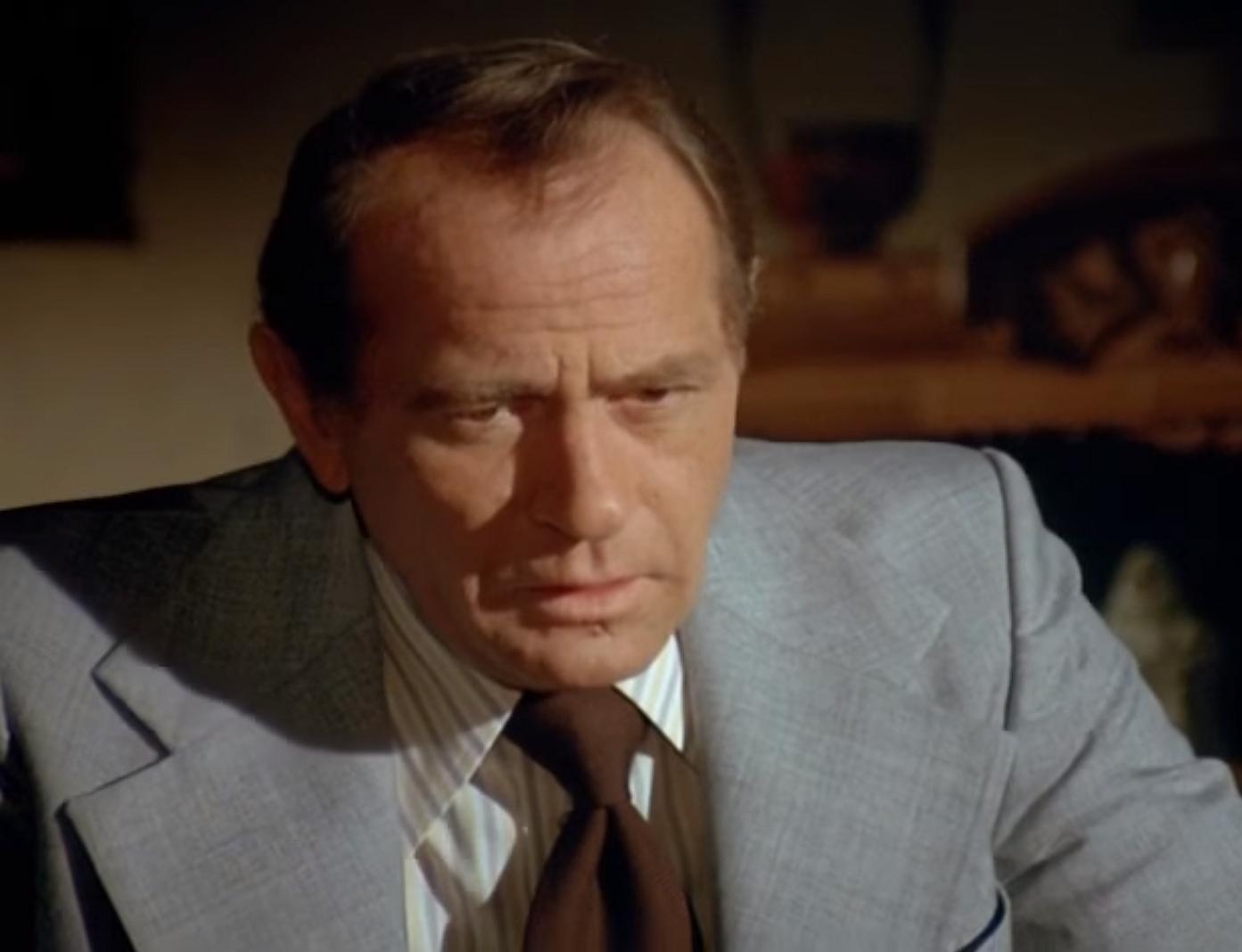 Сериал «Полицейская история» (1973 – 1987): Дэррен МакГэвин 1 сезон, 15 эпизод — «Cop in the Middle» 1393x1068