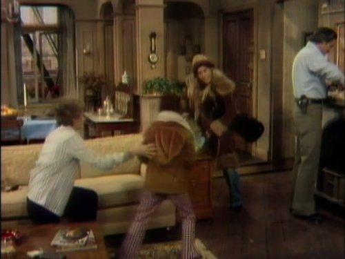 Серіал «Барни Миллер» (1975 – 1982): 1 сезон, 1 епізод — «Ramon» 500x375