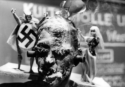 «Гитлер – фильм из Германии» — кадри